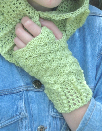 Acacia Cowl and Fingerless Mittens by Sarah Jane